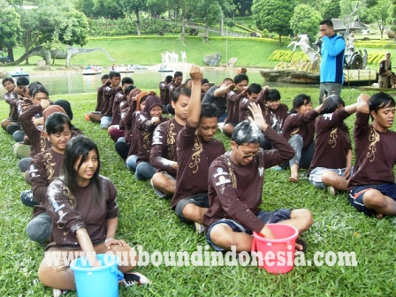 outbound malang, outbound di malang, outbound pacet, rafting pacet, training malang, training motivasi, rafting mojokerto, outbound training, PT. ARYA GROUP JAKARTA, provider outbound malang, provider outbound, wisata malang, wisata pacet, layanan psikologi, indoor training, games outbound, rafting di pacet, outbound di songgoriti, wisata di batu