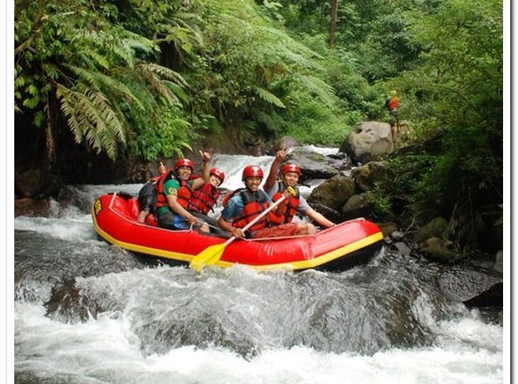 PACET RAFTING, TAK PERLU TAKUT ARUNG JERAM MALAM HARI ,www.rafting-pacet.com, 081334664786
